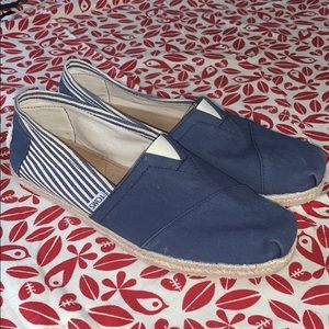 Toms Navy and White Flats M10